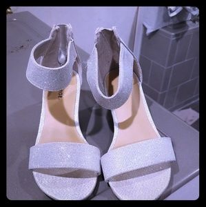 Good condition heels for girls! Very cute!